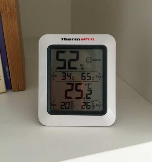 Garosa Rilevatore di formaldeide per Monitor della qualit/à dellAria con Display a LED Misuratore di umidit/à per la misurazione della Temperatura dellAria Portatile Portatile