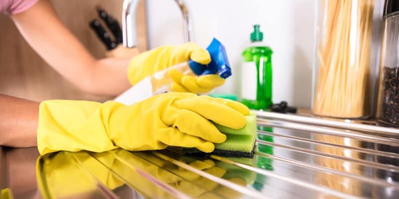 come organizzare le pulizie di casa settimanali pulire la cucina