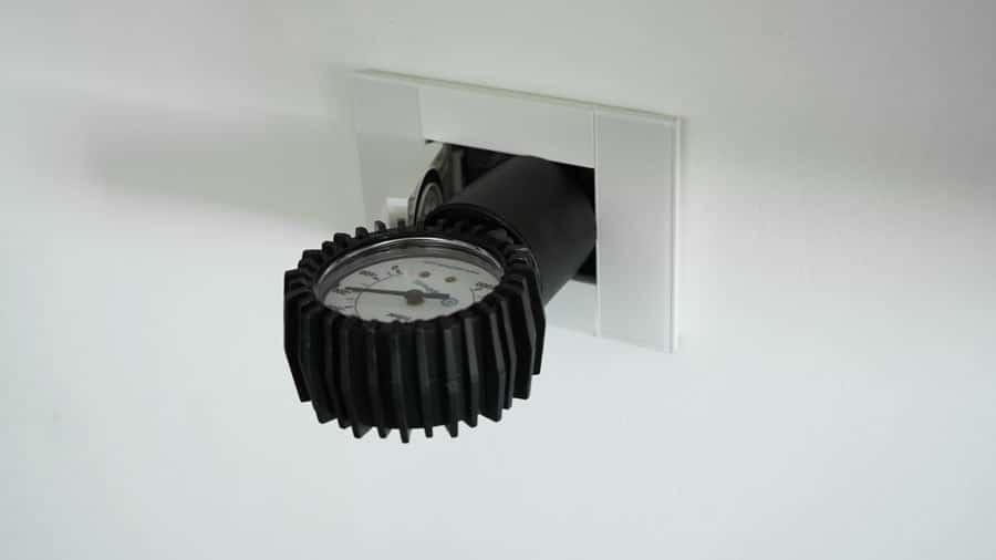 vuotometro per misura tenuta aspirapolvere centralizzato collegato su presa aspirapolvere centralizzato