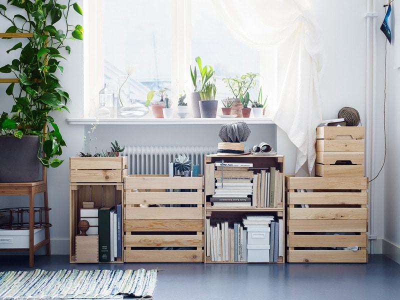 casa ordinata e pulita oggetti nelle scatole